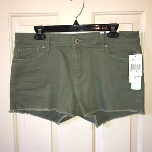 NWT olive green shorts